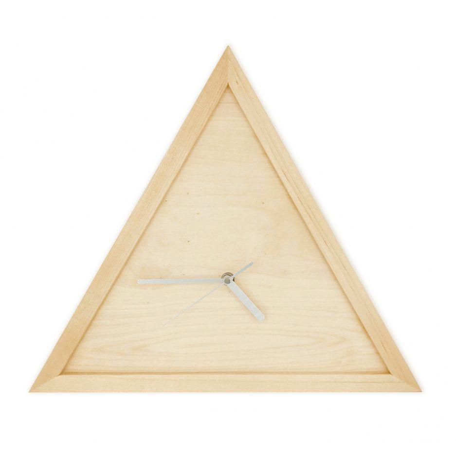 Horloge triangulaire minimaliste en merisier