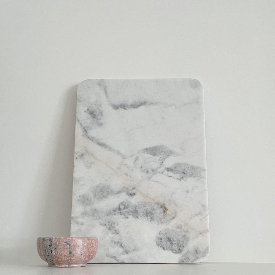 Plateau en marbre blanc